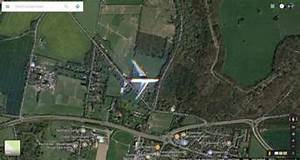 Image Google Map : google maps satellite imagery managed to snap an airliner flying south of london 9to5google ~ Medecine-chirurgie-esthetiques.com Avis de Voitures