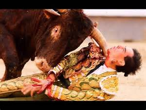 Spanish Bullfighter Gored To Death - YouTube