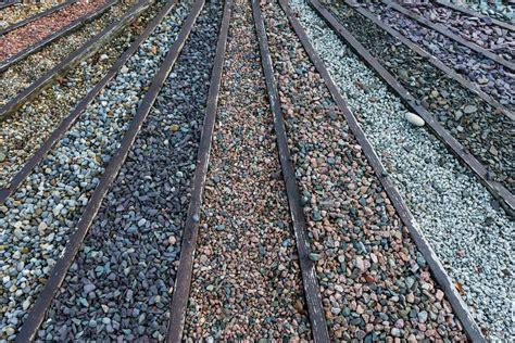 Steine Für Beete by Steine F 252 R Steinbeet 187 Gesteinsarten Farbt 246 Ne Und Preise