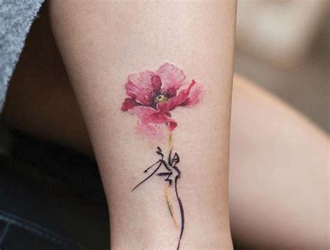 tatouage coquelicot  champ de  modeles en