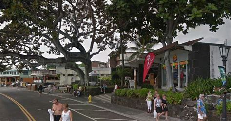 kona kailua village downtown island