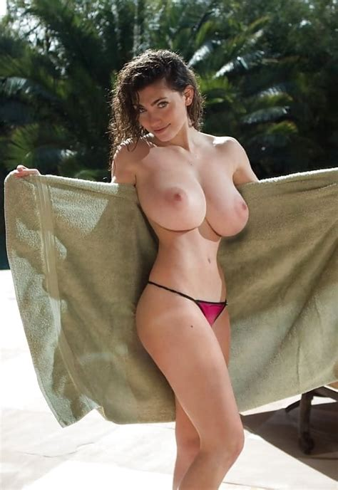 Ultra Slim And Super Stacked Babes 14 Pics Xhamster
