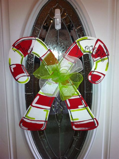 how to make a christmas door hanging on youtube 1000 ideas about door hangers on door hangers burlap door hangers and