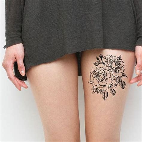 Idee Tattoo Cuisse Deux Roses Contours  Tattoo Cuisse