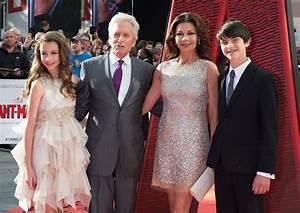 Catherine Zeta-Jones, su tierno video a Dylan | People en ...