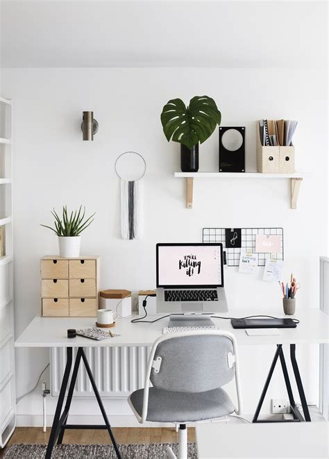 Desk Decoration by Best 10 Offices Ideas On Craft Rooms Office