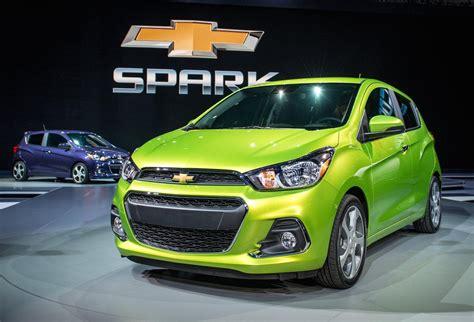 2016 Chevrolet Spark 2lt Hatchback Green Color Autocar