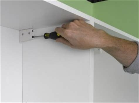 Cupboard Wall Fixings by Fitting Kitchen Wall Units