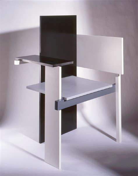 la chaise de rietveld a chair by rietveld yes the berlin chair chairblog eu