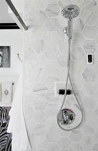 Carrelage Mural Hexagonal : le carrelage hexagonal une tendance qui fait son grand retour carrelage ~ Carolinahurricanesstore.com Idées de Décoration
