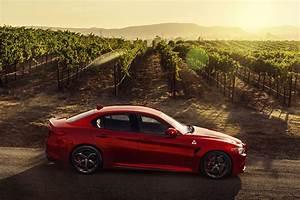 Alfa Romeo Giula : us bound alfa romeo giulia hits 2015 la auto show ~ Medecine-chirurgie-esthetiques.com Avis de Voitures