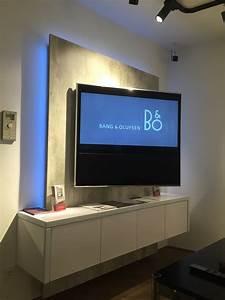 Fernseher An Die Wand Hängen Ohne Halterung : tv wall pr sentiert tv wand im brandneuen bang olufsen ~ Michelbontemps.com Haus und Dekorationen