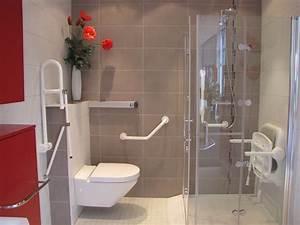 Salle de bain handicape normes hotel solutions pour la for Meuble salle de bain handicapé