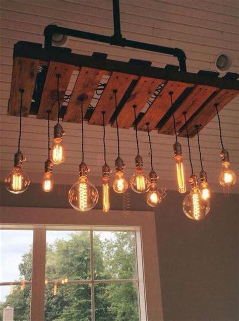 idee deco cuisine vintage l idée déco du dimanche un luminaire avec une palette