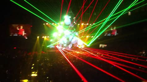"""Amazing Light Show For 3lau's """"jagger Bomb"""" At Ucf Arena"""