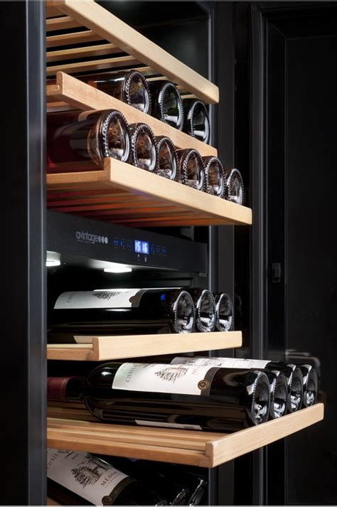 cave a vin encastrable avintage av46cdzi noir av46cdzi 8999775 darty