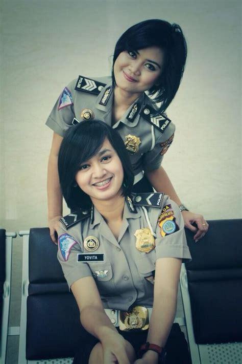 Bripda Yovita dan Brigadir Polisi Herlina!
