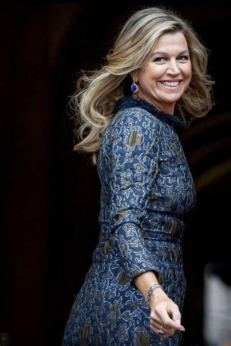 koningin maxima draagt metallic blauwe jurk van natan