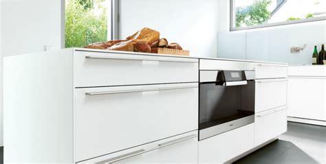 cuisine bulthaup prix monobloc bulthaup en stratifié blanc photo 18 20 cuisine minimaliste aux formes pures et très