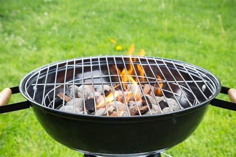 how to light charcoal grill how to light a charcoal grill without a chimney starter