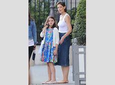 Katie Holmes goes sightseeing with daughter Suri in Paris