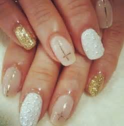 Nude and gold nails for classy nail designs via