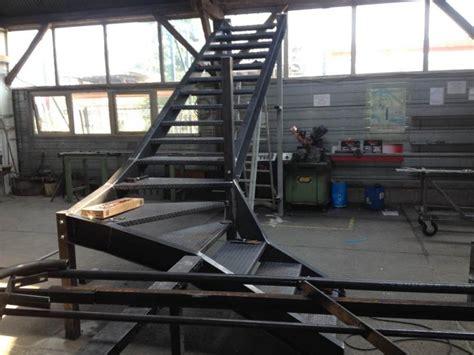 escalier metallique exterieur industriel maison design deyhouse