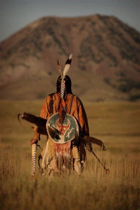Victoria Powless-Descher adlı kullanıcının Native Family ...