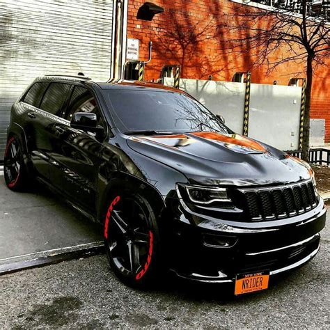 stanced jeep srt8 this is one awesome jeep cherokee srt8 vapor edition