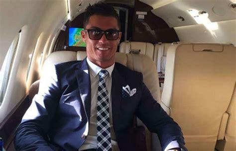 cristiano ronaldo se compra  jet de  millones de euros