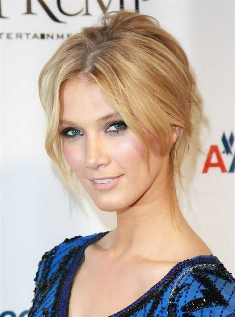 Delta Goodrem Hairstyles   Celebrity Latest Hairstyles 2016