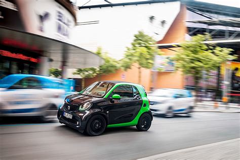 SMART fortwo Electric Drive specs & photos - 2016, 2017 ...
