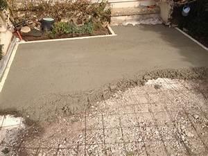 realisation d39une dalle en beton dans un jardin prive a With couler une dalle de terrasse