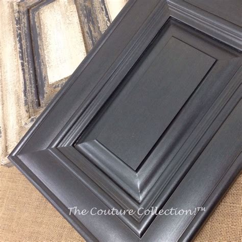kitchen cabinet paints and glazes this cabinet door is painted with shale paint 7896