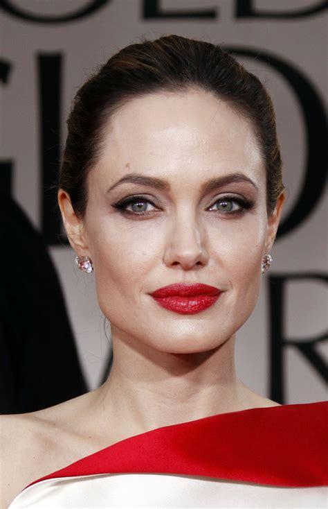 foto de All Dolledup Now Abigail Konechny: The Perfect Red Lip