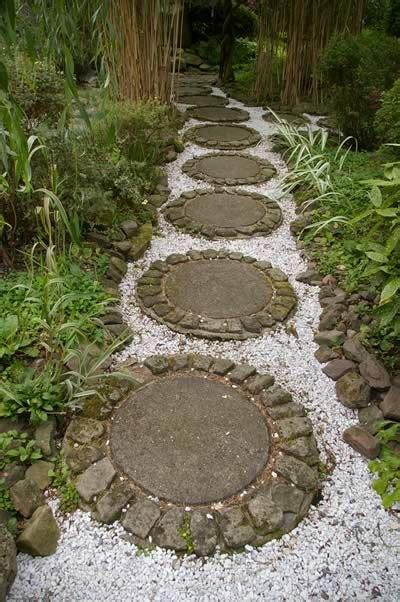 Round Garden Stepping Stone Path Ideas