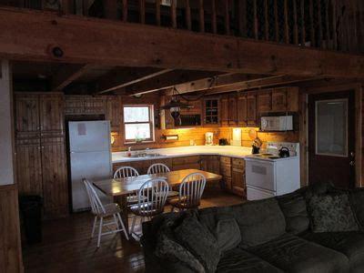 is hardwood flooring for kitchens lakeside hideaway log home on bull shoals lake vrbo 9016