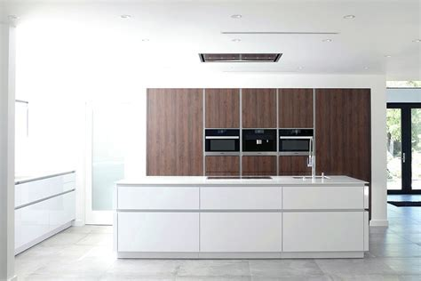 C Channel Contino Kitchen In Woodland Hills   LEICHT Los