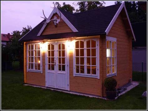 Wohnideen Gartenhaus gartenhaus streichen gartenhaus streichen schwedenrot gartenhaus