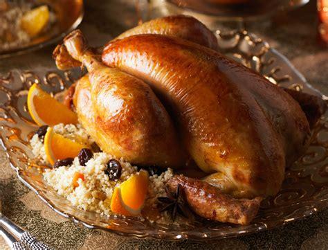 cuisiner le chapon au four dinde chapon poularde nos meilleures volailles de noël