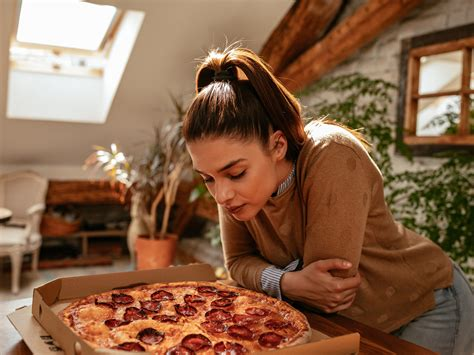 Slay Your Cravings For Delicious-smelling Junk Food