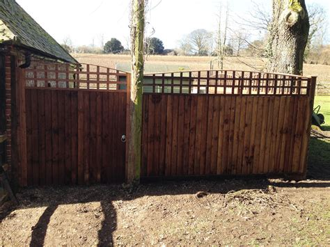 fence panels fencing contractors  winchester  eastleigh