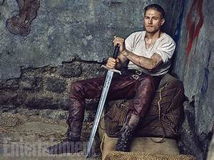 Photos: Charlie Hunnam Carries a Big Sword as Guy Ritchie ...