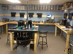 A Peek At Other Computer Technicians Workbenches #4