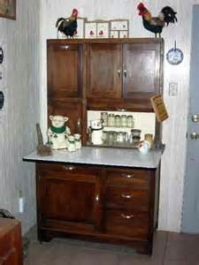 pics of painted kitchen cabinets 1000 images about hoosier cabinets on 7433