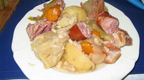 potee au choux et saucisse de morteaux pot 233 e au chou les marmites de marphyl