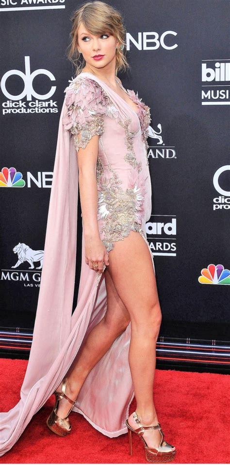 Taylor Swift Queen   Taylor swift dress, Taylor swift legs ...