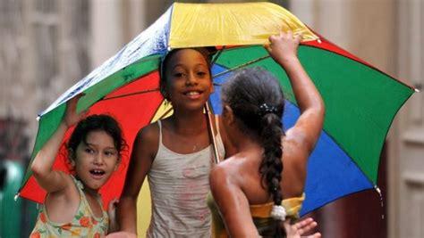 Las niñas aún son obligadas al trabajo doméstico: Unicef