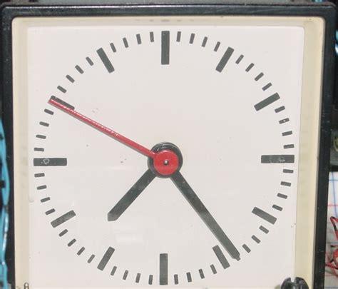 klok secondewijzer industri 235 le klok aan de praat krijgen forum circuits