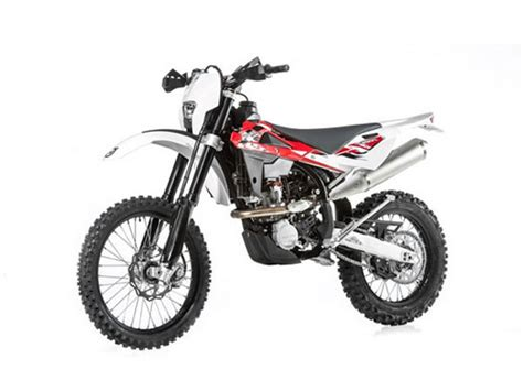 Review Husqvarna Te 250 by 2014 Husqvarna Te 250 R Motorcycle Review Top Speed